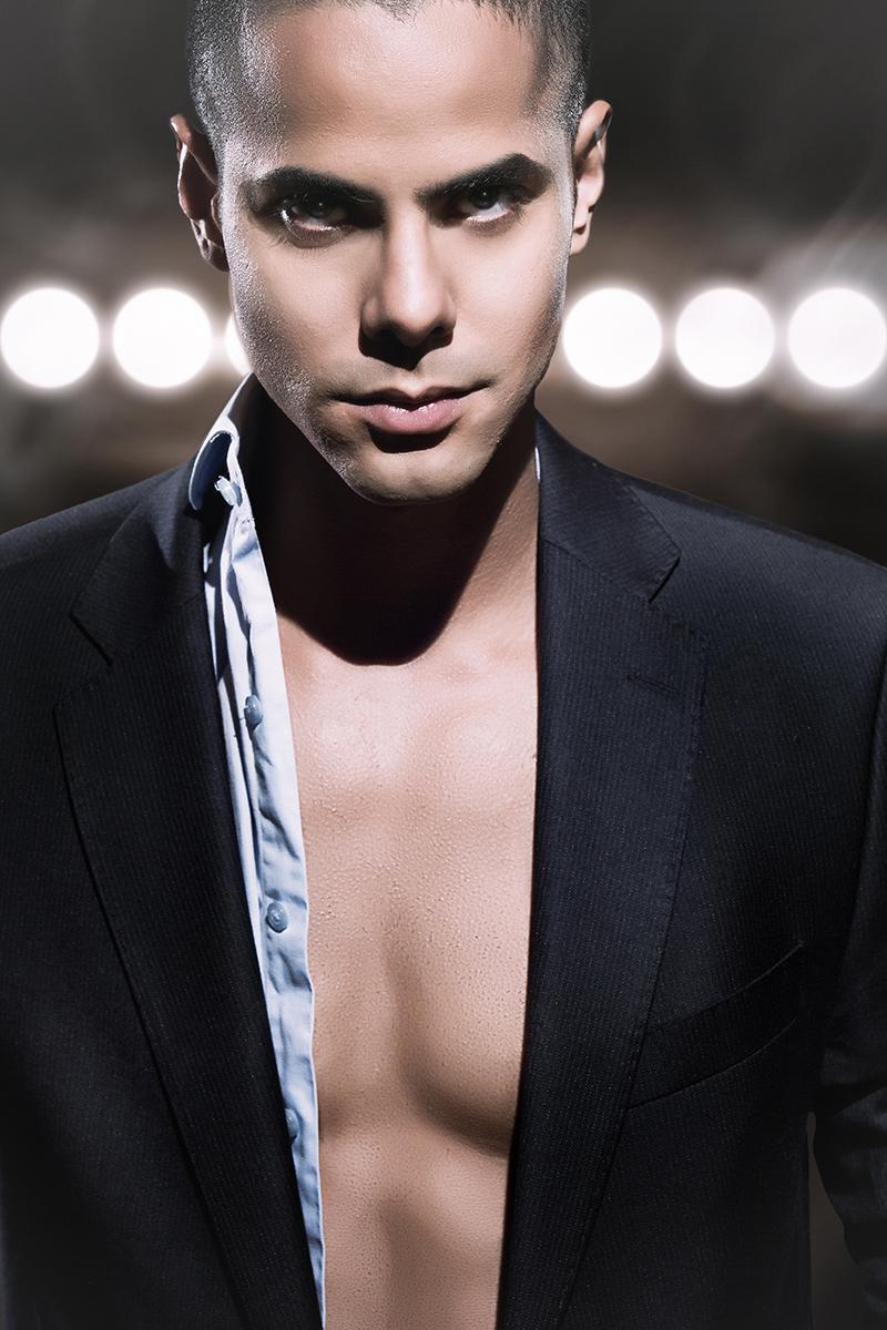 Victor Oliveira Model Portfolio