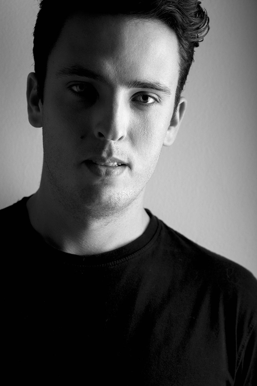 Miguel Silva | DJ Mikownite